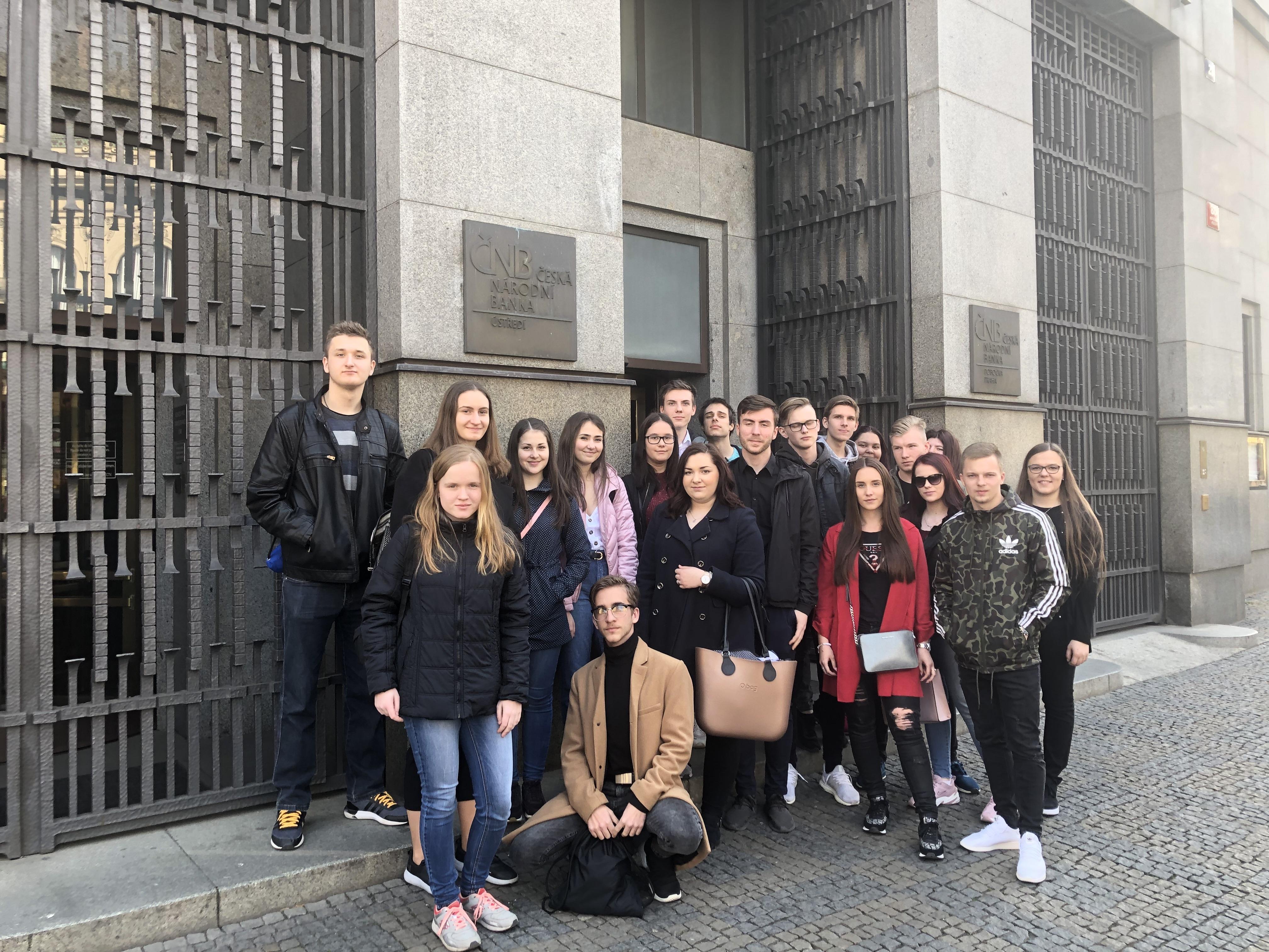 Exkurze mladých ekonomů do ČNB